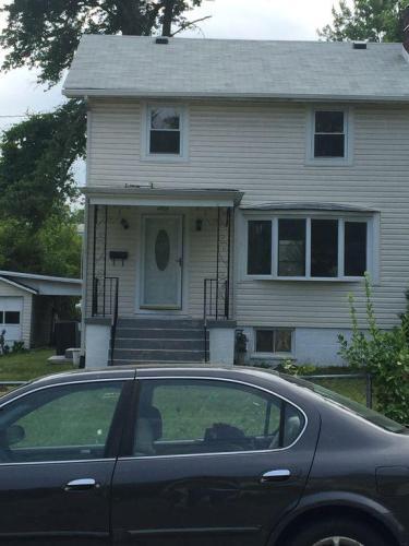 4905 Fox Street Photo 1