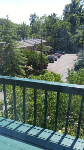 1005 Parkvale Court Photo 1