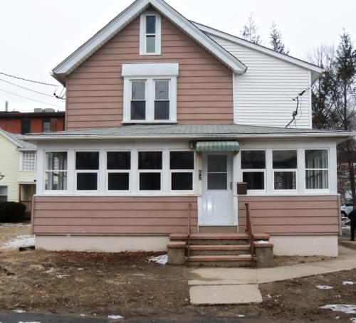 62 Hotchkiss Street Photo 1