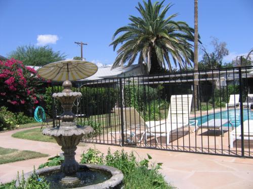 2806 N Tucson Boulevard Photo 1