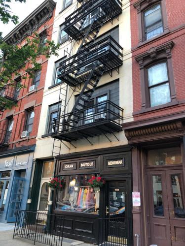 1026 Washington Street #2R Photo 1