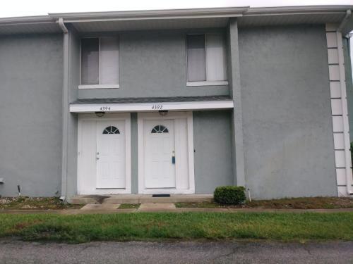 4392 White Pine Avenue Photo 1