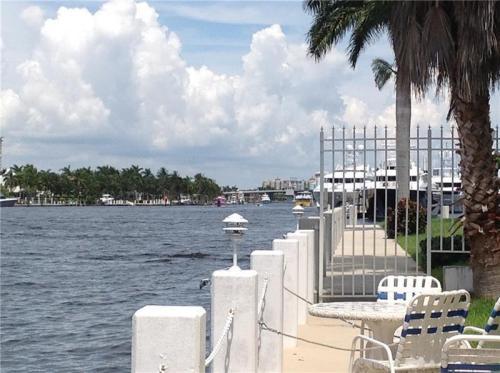 3043 Harbor Drive Photo 1