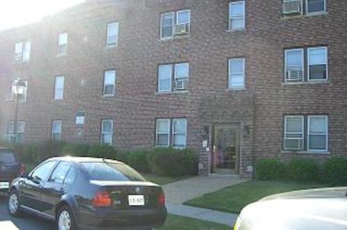 4911 Newport Avenue Photo 1