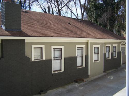 590 Seminole Avenue NE Photo 1