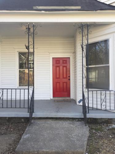 812 E 10th Street #HOUSE Photo 1