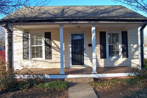 405 E 10th Street Photo 1