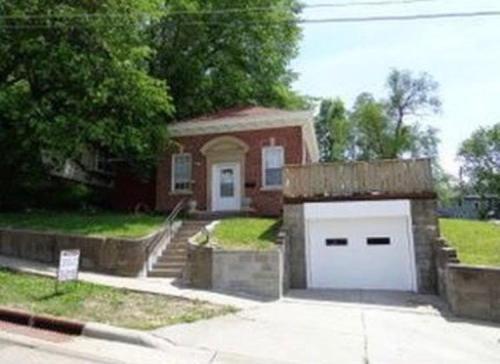 303 Mcgee Avenue Photo 1
