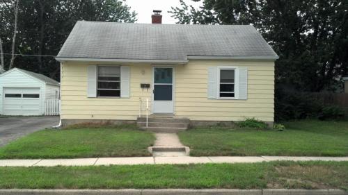 2415 Carew Street Photo 1