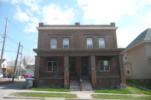 114 S 14th Avenue E #2 Photo 1