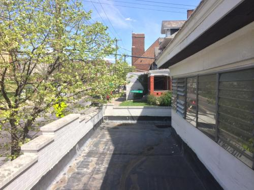 261 W Mcmillan Street Photo 1