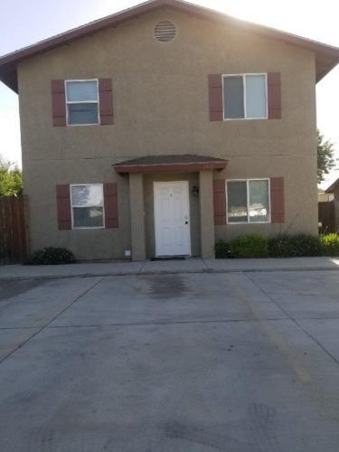 3431 L Street Photo 1