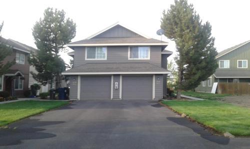 2906 SW Juniper Avenue Photo 1