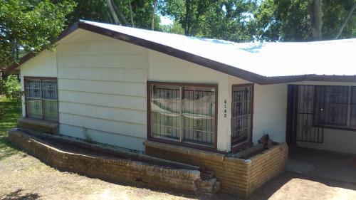 6162 Glenhurst Drive Photo 1
