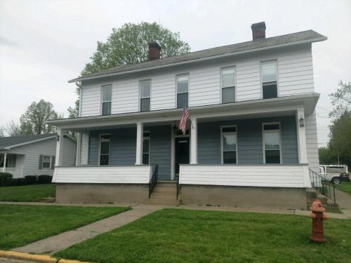 301 E Mcconnel Avenue #2 Photo 1