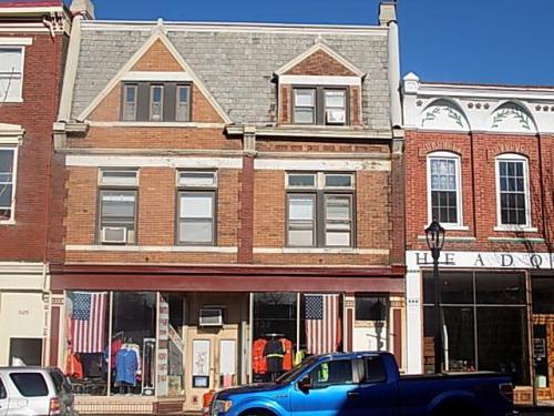 927 Monmouth Street #1 Photo 1