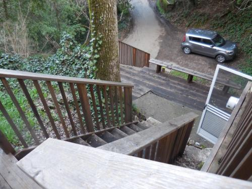 2606 Riverview Drive Photo 1