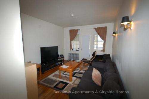 1626 Commonwealth Avenue Photo 1