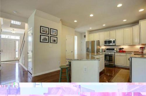 6400 Kings Crest Court Photo 1