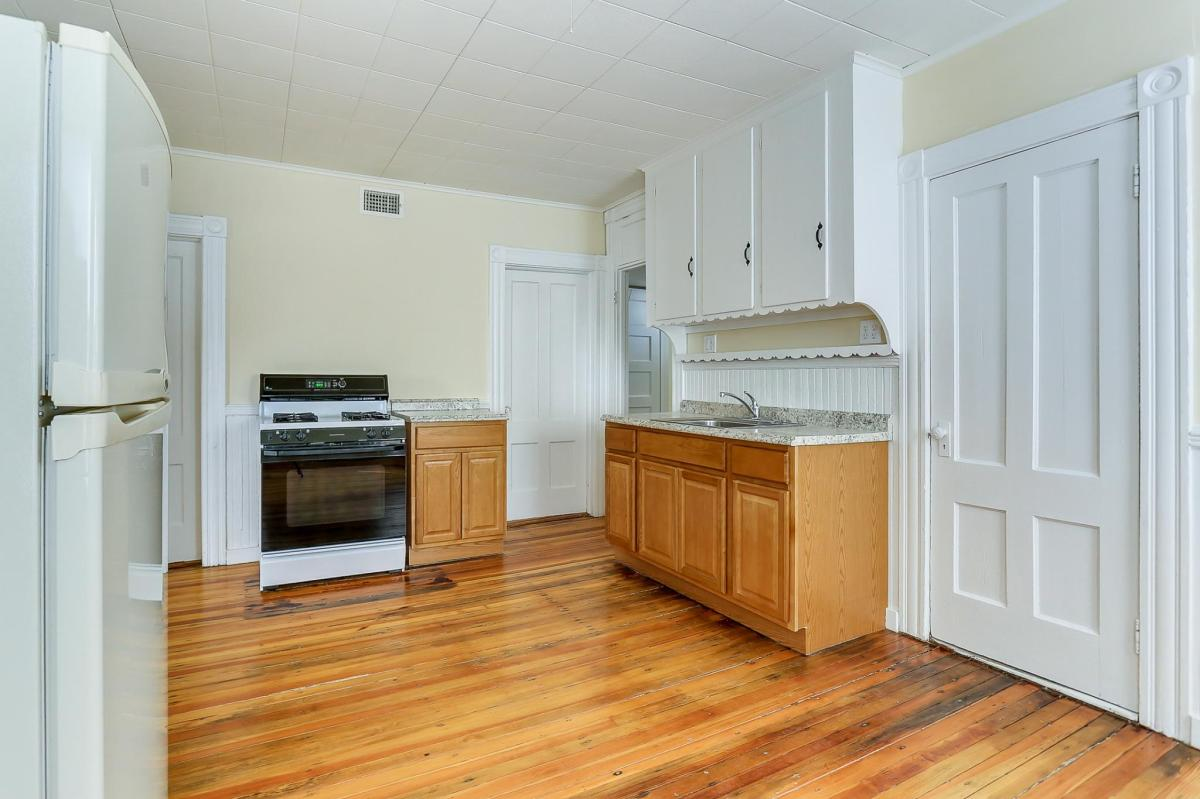Apartment Unit 2 At 126 Clinton Street New Britain CT 06053