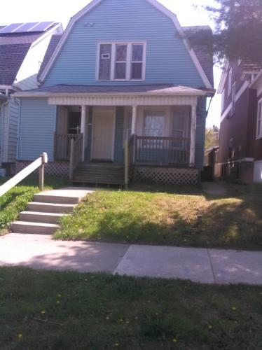 2738 N Bartlett Avenue Photo 1