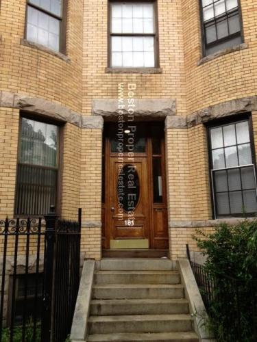 181 Saint Botolph Street #1 Photo 1