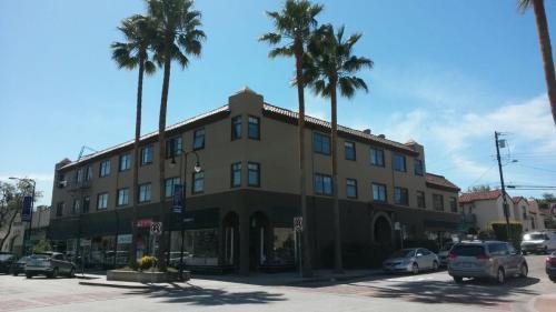 105 La Cruz Avenue Photo 1