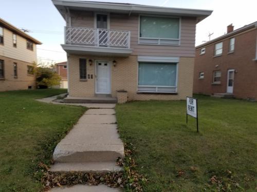 8311 W Keefe Avenue Photo 1