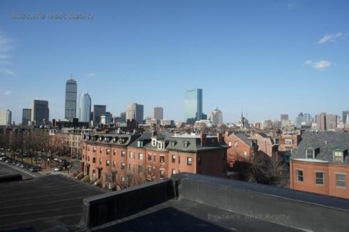605 Massachusetts Avenue Photo 1