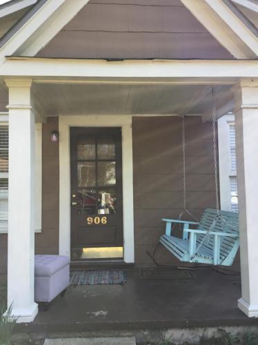 906 Cleveland Avenue Photo 1