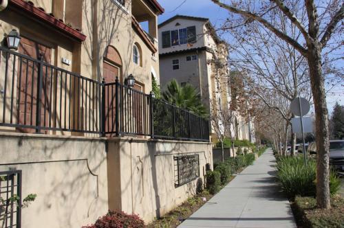 80 Parc Place Drive Photo 1