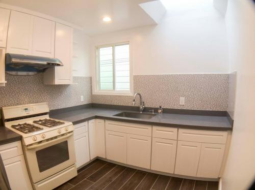 438 Willits Street Photo 1