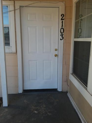2103 Elkins Place Photo 1