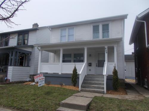 989 Carpenter Street Photo 1