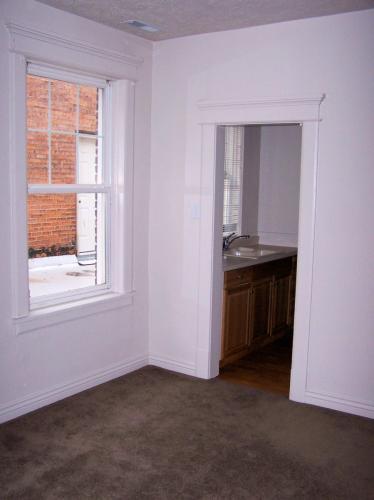 416 W Lewis Street Photo 1