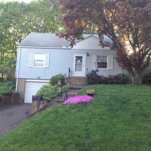118 Thompson Street Photo 1