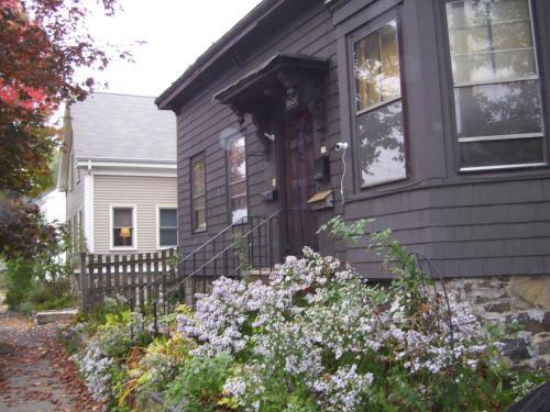 174 Pleasant Street #STUDIO Photo 1