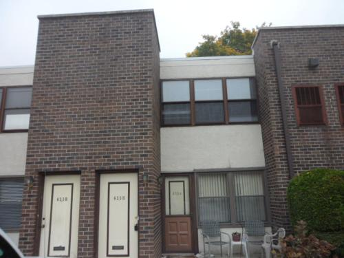 639 Roxborough Avenue #B Photo 1