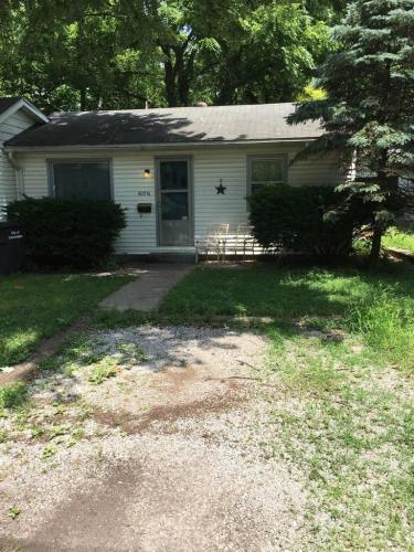 405 N Poplar Street Photo 1