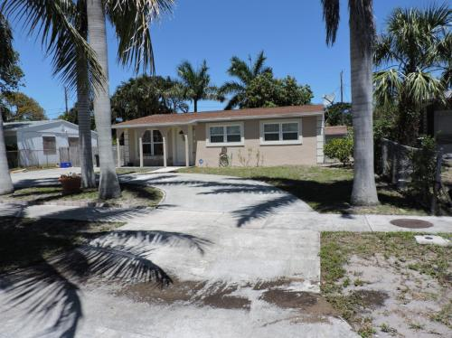 3663 Everglades Road Photo 1