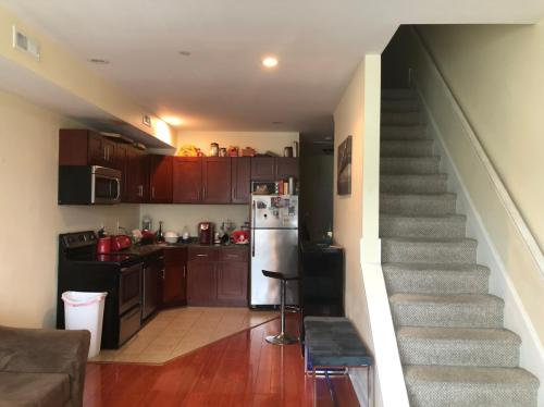 676 N 33rd Street #2ND 3RD FL Photo 1