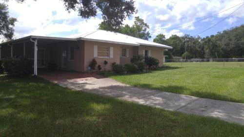 5501 Ridgeway Road Photo 1