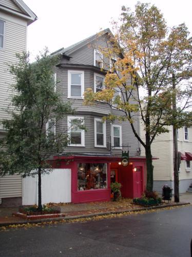 299 Wickenden Street #2ND FLOOR Photo 1