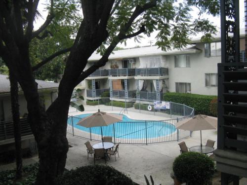 372 Monterey Road Photo 1