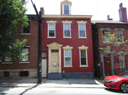 4056 Penn Avenue Photo 1