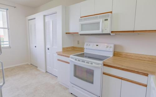 7902 Sailboat Key Boulevard S #402 Photo 1