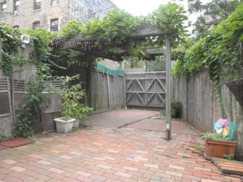 344 W Dickens Avenue #6 Photo 1