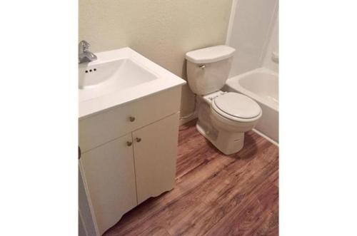 1022 Chestnut Avenue Photo 1