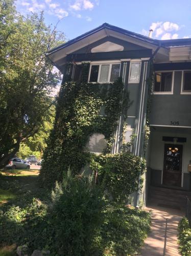 305 E 3rd Avenue #5 Photo 1