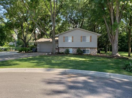 3521 Maplewood Circle Photo 1